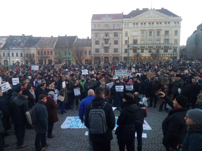 Clujenii ies masiv in strada miercuri seara impotriva Guvernului Grindeanu