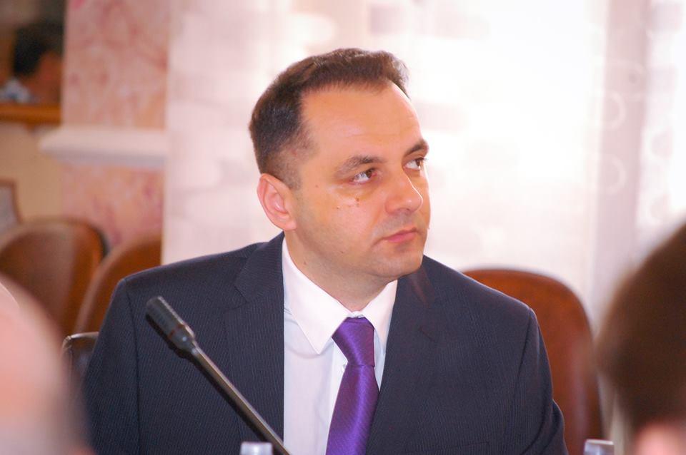"""Liderul PMP Cluj, Cristian Lungu, dezminte plecarea a peste 150 de membri la PNL Cluj şi îl atacă pe Rareş Rusu – """"O nulitate politică"""""""