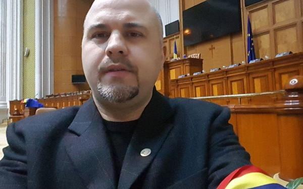Deputatul USR Emanuel Ungureanu, plângere la DIICOT împotriva lui Liviu Dragnea, privind legaturile cu Tel Drum