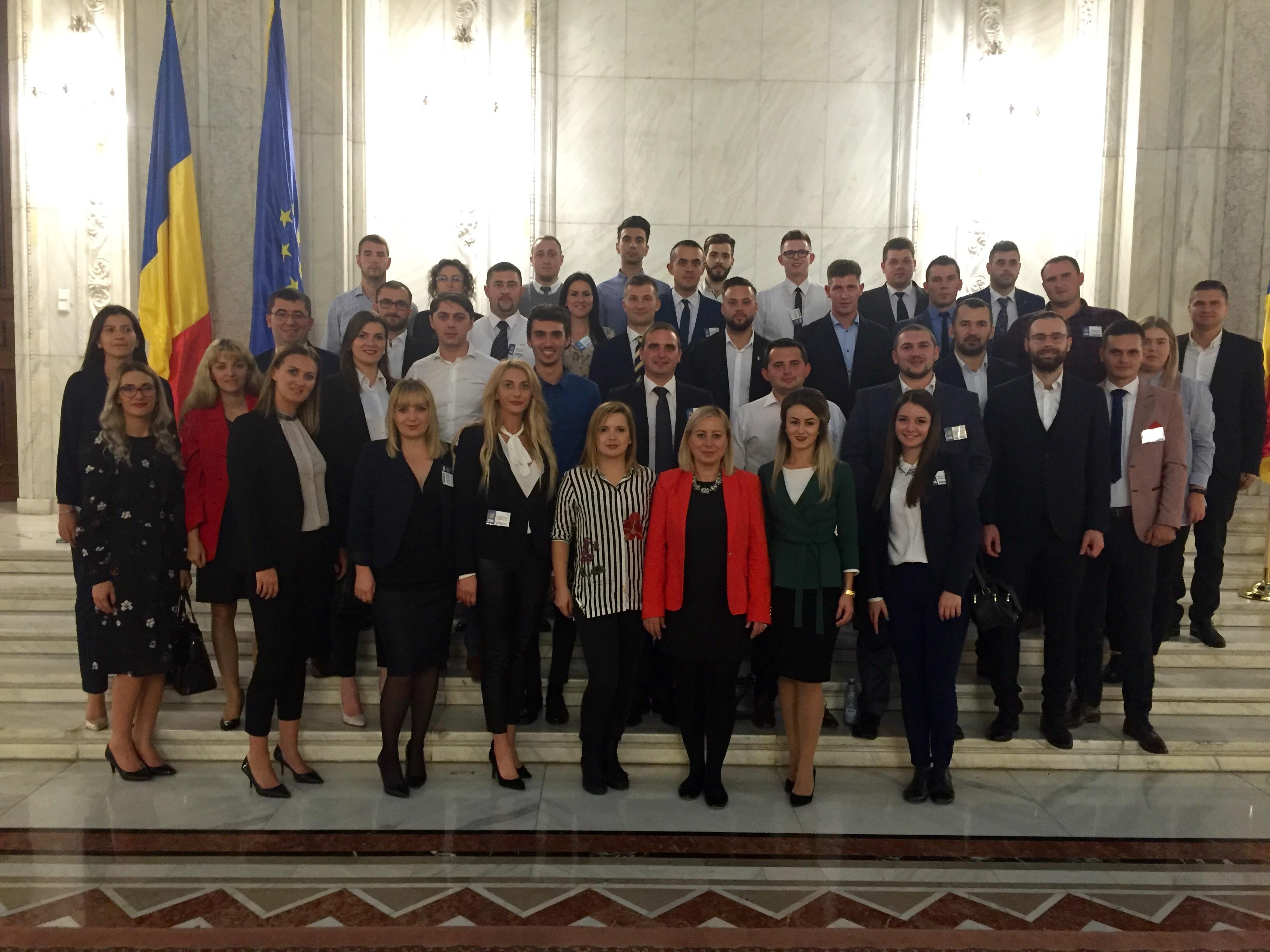Tineretul Naţional Liberal Cluj este reprezentat prin două poziţii importante în noul birou naţional al TNL!