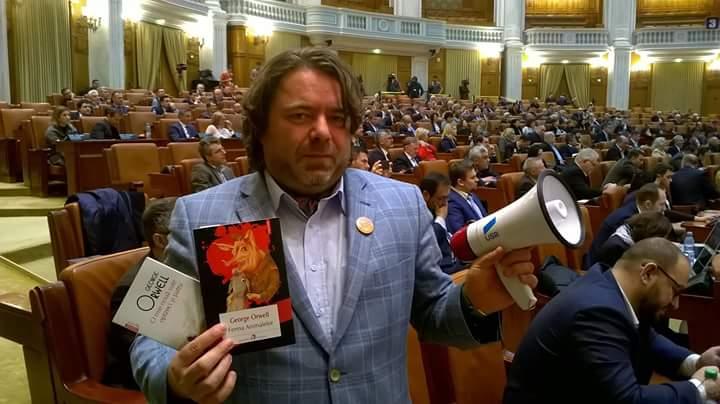 """Mihai Goțiu, mesaj de Crăciun: """"Vocea cetățenilor va continua să se audă în Parlament și se va auzi din ce în ce mai puternic!"""""""