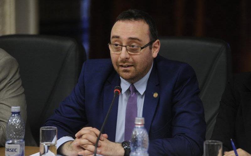"""Horia Nasra: """"De ce nu aţi asfaltat cele 400 de străzi private domnule Emil Boc?"""""""