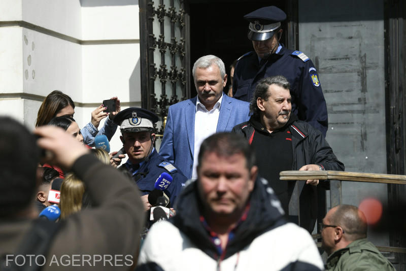 """Iohannis, despre prezidențiabilul Dragnea: """"Atâta ne mai lipsește, ca un infractor condamnat pentru fraude la referendum să fie candidat la Președinție"""""""