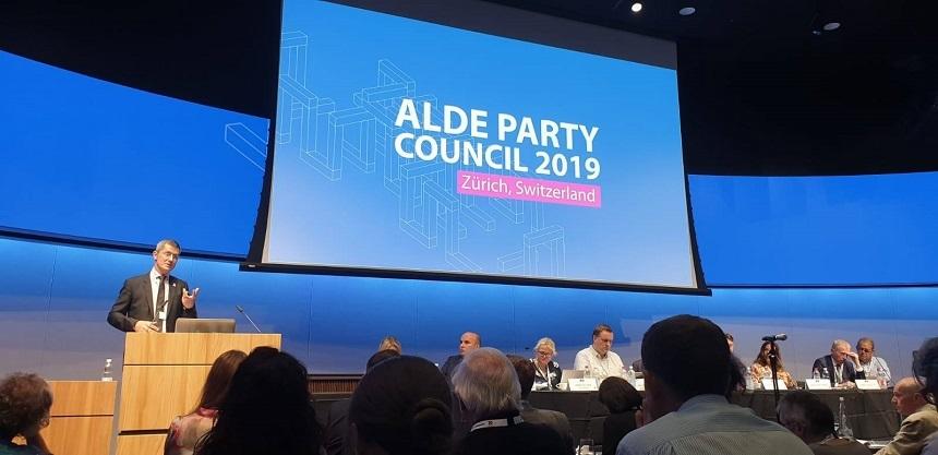 USR a devenit membru ALDE Europa