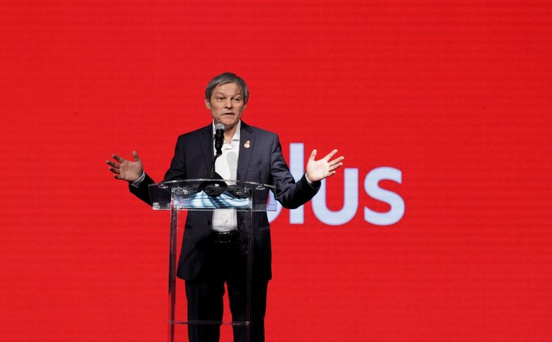 Convenţia Naţională PLUS: Dacian Cioloş a fost ales preşedinte cu majoritate de voturi