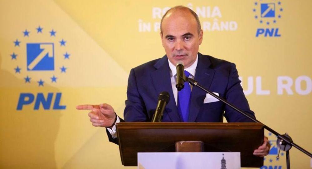 De la Bruxelles, europarlamentarul Rareș Bogdan și-a adus aminte de România și vrea răspunsuri. Îi cere pe Vlad Voiculescu, Arafat și Nicușor Dan în fața coaliției pentru explicații