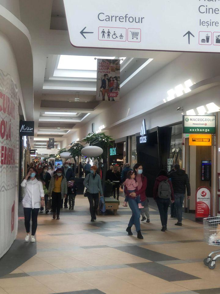 FOTO Arhiplin într-unul din mallurile clujene