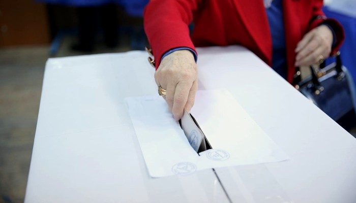 EXIT POLL, ora 17:30. PSD conduce în cursa pentru Parlament. USR-PLUS, la mare distanţă de principalii competitori