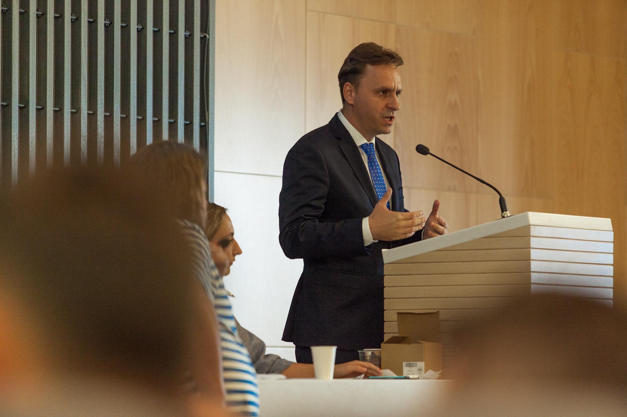 """Radu Molnar, deputat USR-PLUS: """"Am votat împotriva alocării de bani pentru schitul românesc de la muntele Athos"""""""